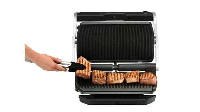 Tefal GC722D OptiGrill + XL pozwoli upiec jedzenie szybko i bezpiecznie