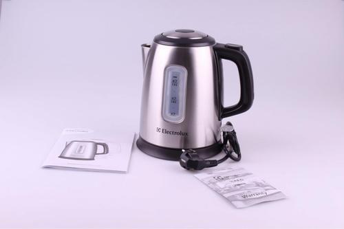 Electrolux Czajnik stalowo-czarny EEWA 5210