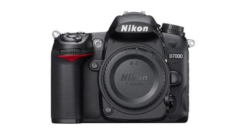 NIKON D7000 (body)