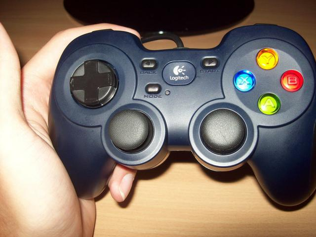 Logitech Gamepad F310 Przyciski