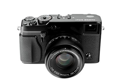 Fujifilm wprowadza na rynek zupełnie nowy aparat Fujifilm X-Pro1 z wymiennymi obiektywami Fujinon