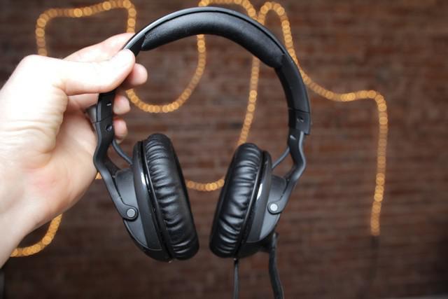ROCCAT Khan Pro - recenzja słuchawek