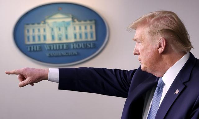 Dekret Trumpa wydaje wyrok na TikToka - Serwis zostanie zakazany!