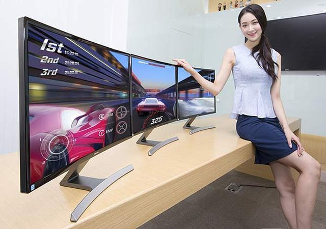 Samsung SD590C - Zakrzywiony Ekran Również W Monitorze