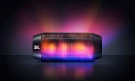 JBL Pulse - ciekawy głośnik z dynamicznym dźwiękiem