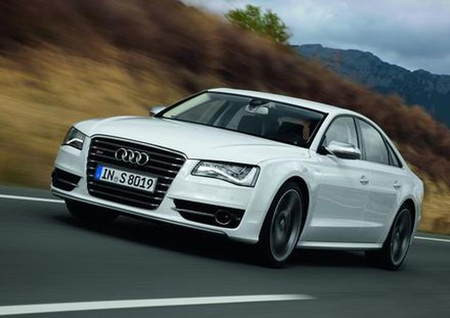 "Audi S8 Samochodem Roku Playboya 2012 w kategorii ""Luksus i Sport"""