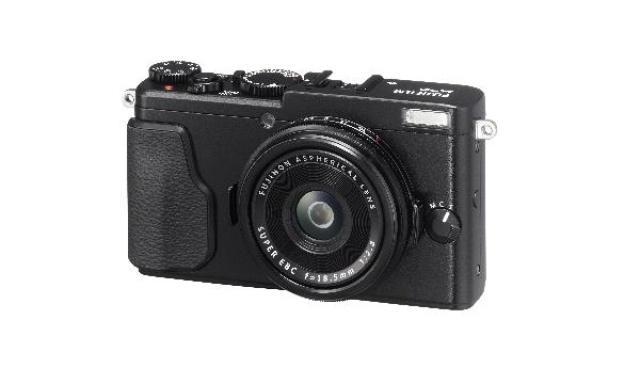Fujifilm X70 - Kompaktowy i Funkcjonalny Aparat