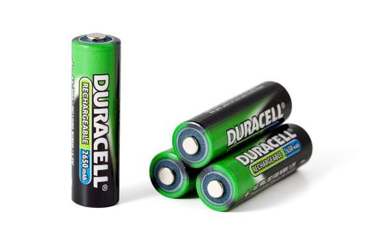 Baterie z stałym przewodnikiem mogą mieć różne rozmiary i zastosowania