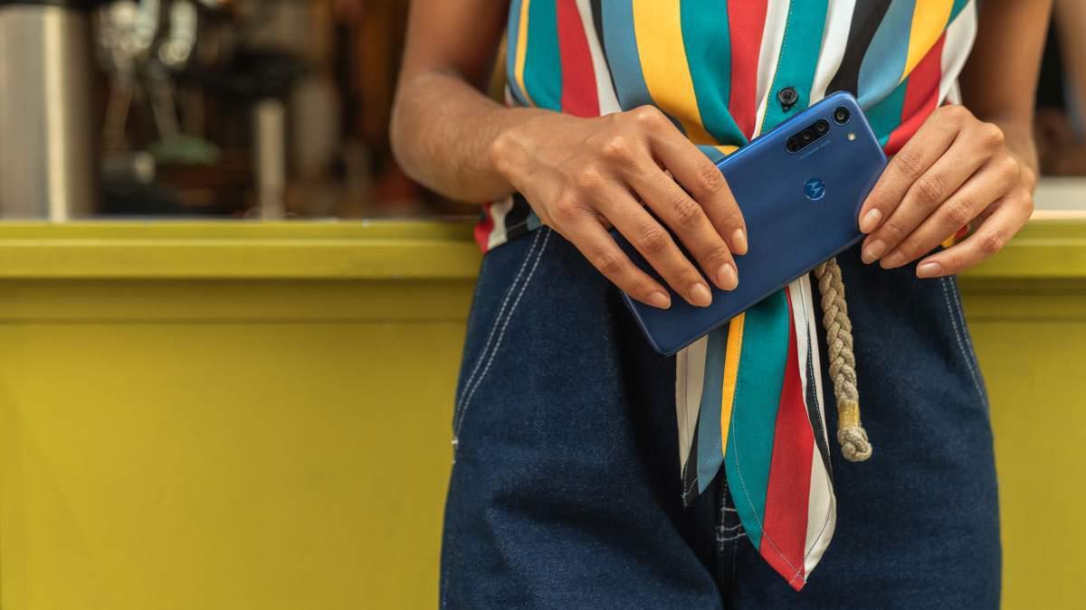 Motorola Moto G8 zaoferuje rozwiązania znane z serii G8, także w designie