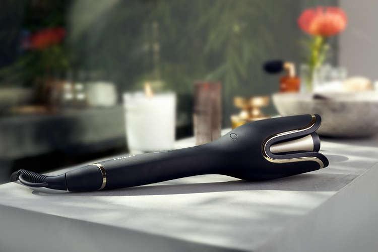 czarna lokówka do włosów Philips StyleCare Prestige BHB876/00