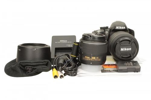 Nikon D3200 + 18-55VRII + 55- 200VR