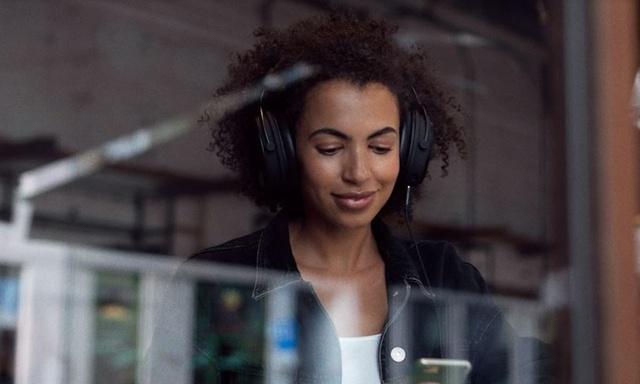 SPC wypuszcza słuchawki - Z kartą dźwiękową