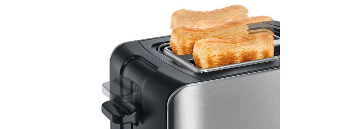 dwie zarumienione grzanki z tostera