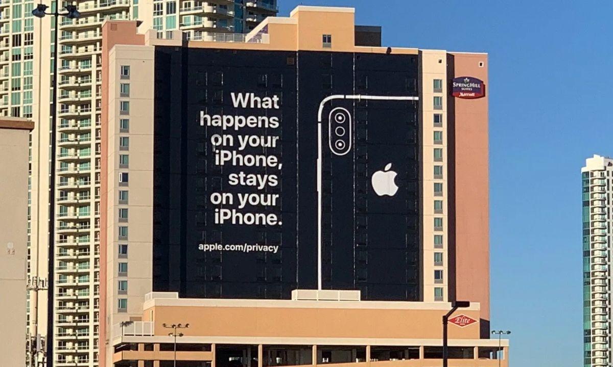Bilboard promocyjny Apple na CES