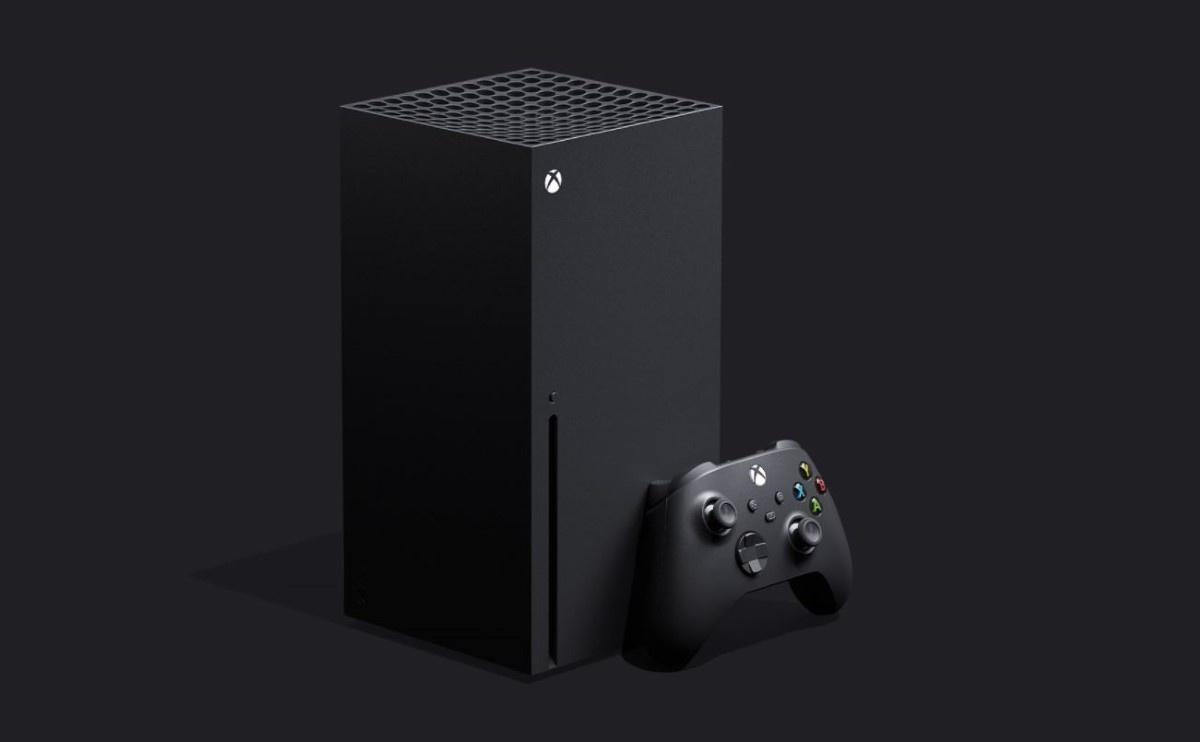 Xbox Series X na czarnym tle