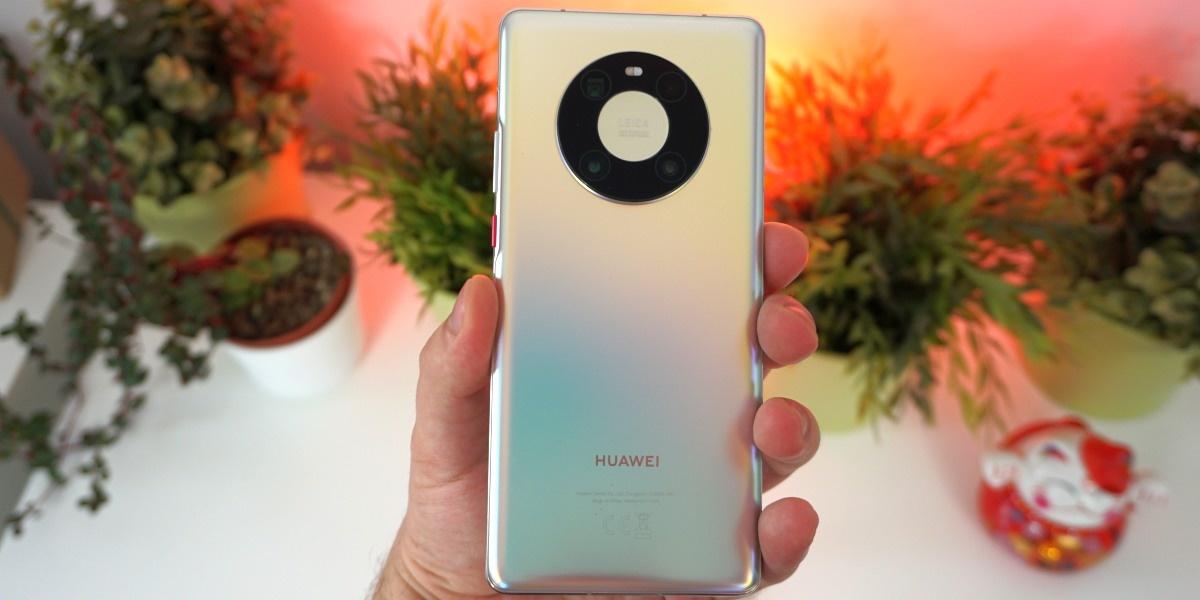 Aparaty Huawei Mate 40 Pro są prawie niewidoczne przez większość czasu