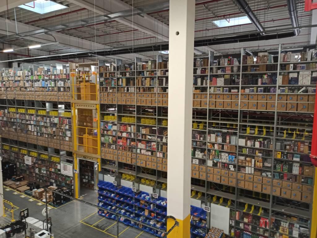 Zdjęcie w budynku Amazon w 64 MPix