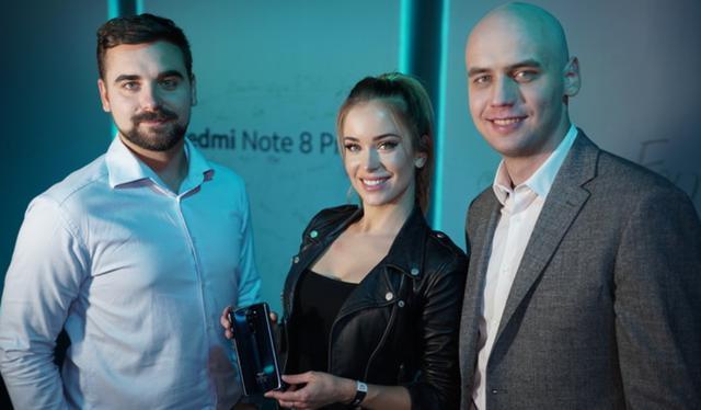 A oto reprezentacja ESL Polska na premierze Redmi Note 8 Pro. Xiaomi zostało sponsorem ESL Mistrzostw Polski