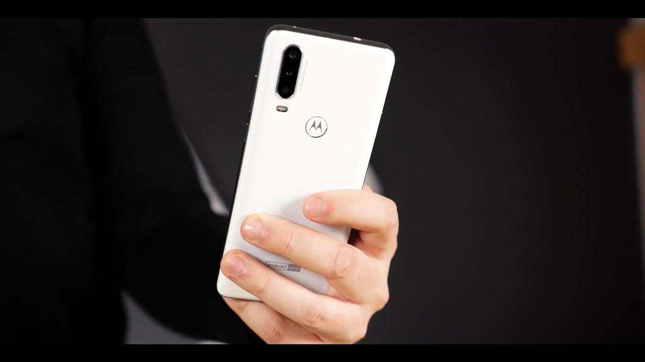 Motorola One Action jest telefonem o nieco gorszym wykończeniu