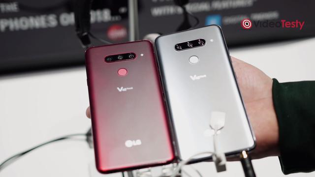 LG V40 ThinQ z tyłu