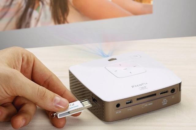 Philips PicoPix 3410 - nowy kieszonkowy projektor