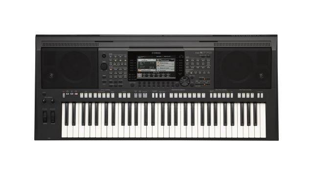Yamaha PSR S-770