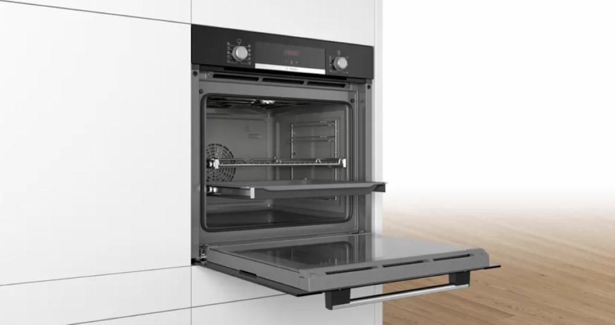 Bosch HBA354YB0 w kuchni