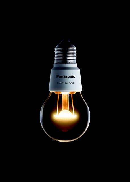 """Panasonic wprowadza na europejski rynek żarówkę LED """"Nostalgic Clear"""""""