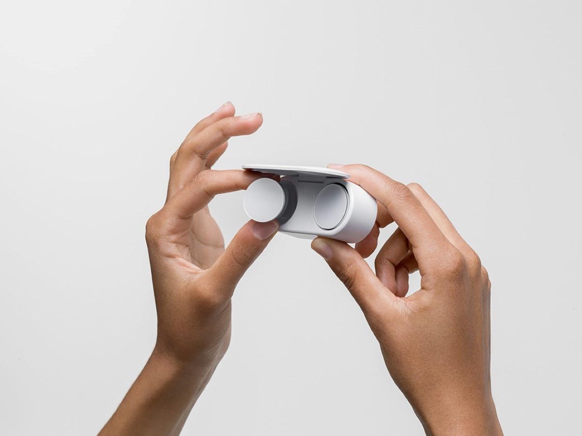 Prezentacja Surface Earbuds na białym tle