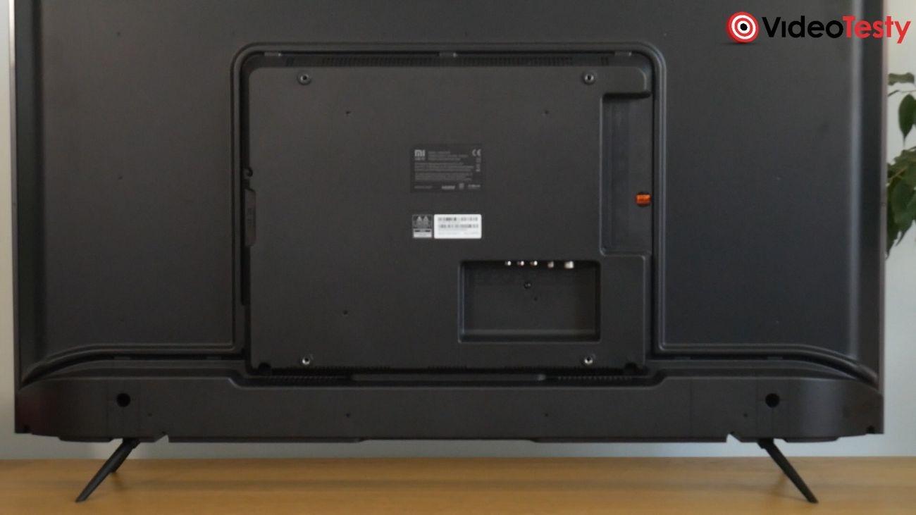 Test Xiaomi Mi TV 4S 43 cale - tył ze złączami