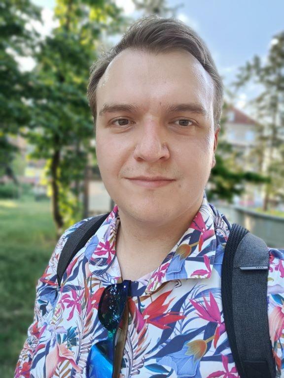 Zdjęcie z efektem bokeh z przedniego aparatu