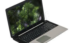 """TOSHIBA SATELLITE L70-B-111 i5-4200U 6GB 750GB 17,3"""" FullHD R7M260 (2GB) W8.1"""