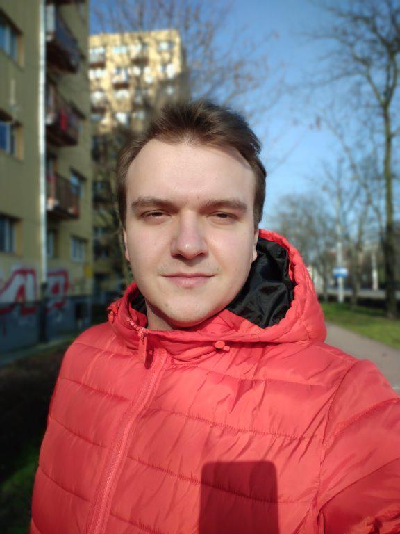 Zdjęcie z przedniego aparatu z rozmyciem (bokeh)