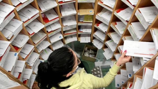 Rewolucja w polskich urzędach – E-maile zastąpią listy polecone