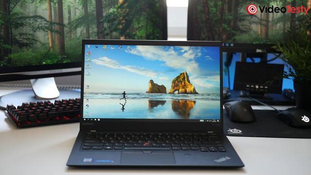 Lenovo Thinkpad X1 Carbon na biurku