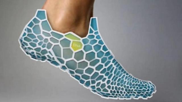 Regenerujące się buty z drukarki 3D