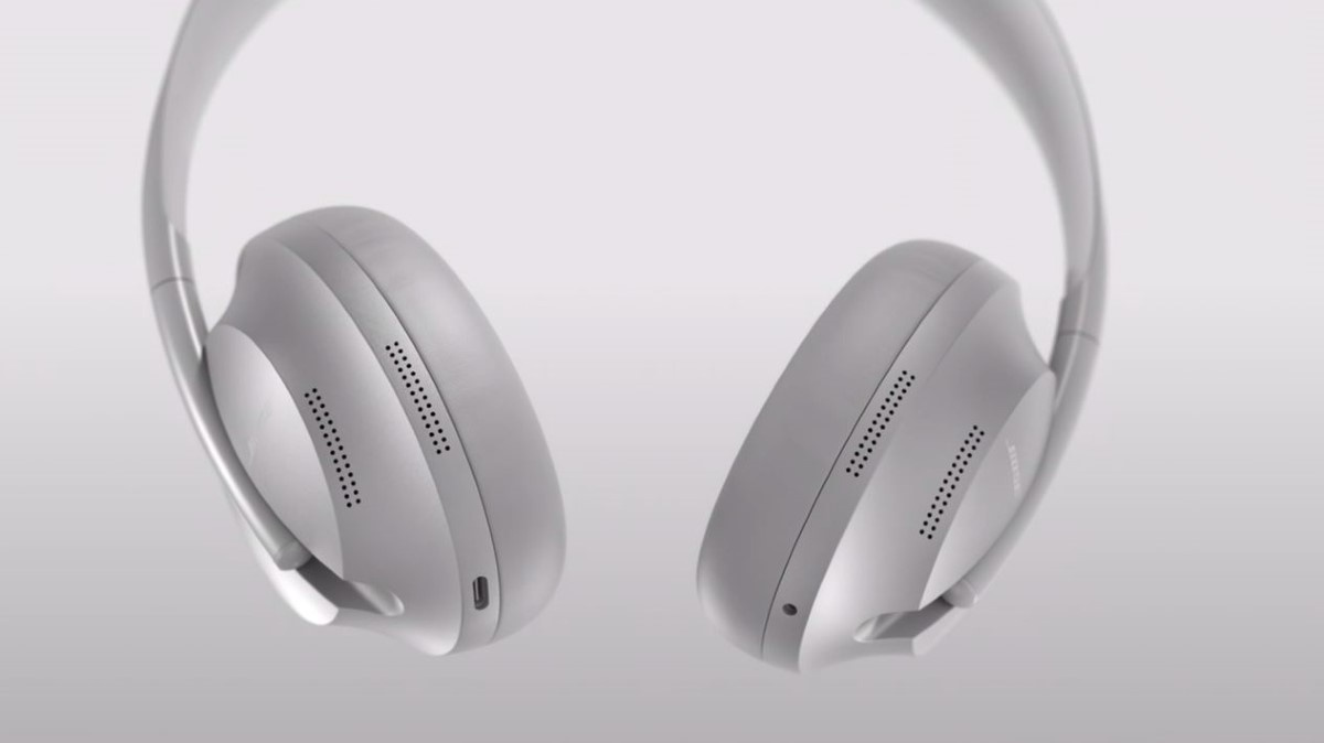 Słuchawki  Bose Noise Cancelling Headphones 700 na stalowoszarym tle