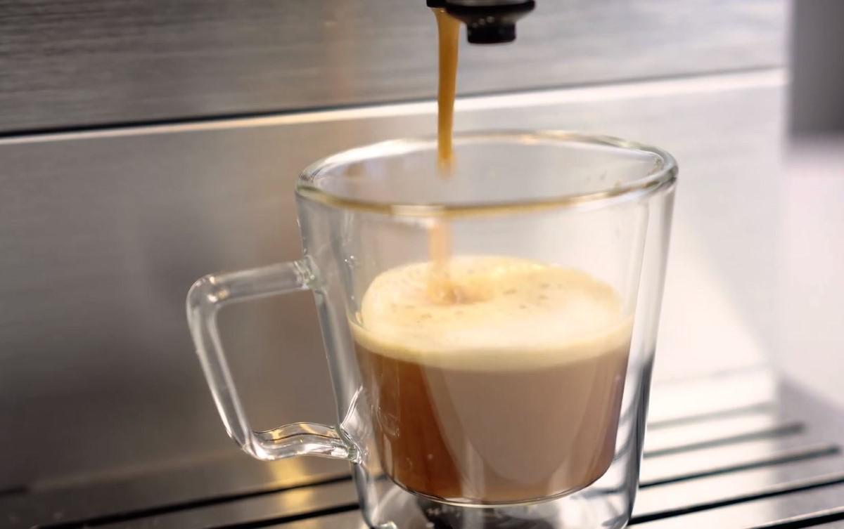 Parzenie kawy z Beko CEG5331X