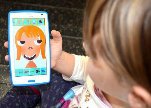 Liscianigiochi MIO Phone HD Niebieski [BEZPIECZNY SMARTFON DLA