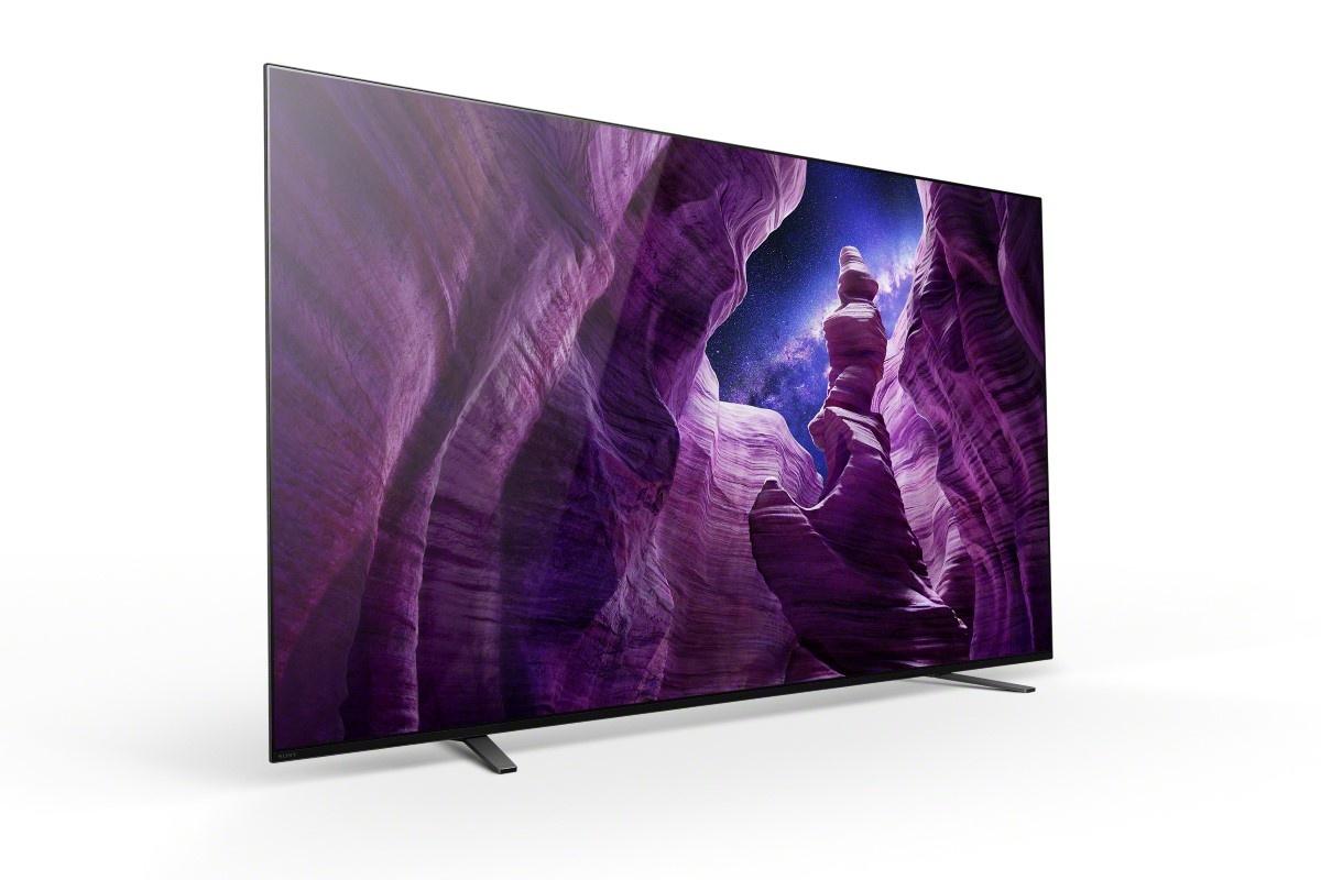 Telewizor z serii A8 od Sony na białym tle