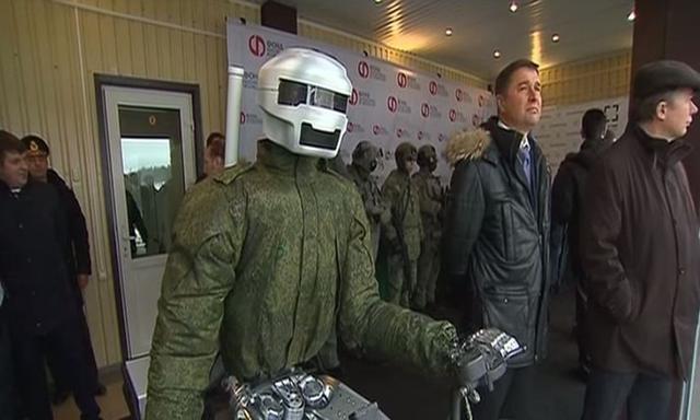 Rosja Szykuje Humanoidalne Roboty Wojskowe