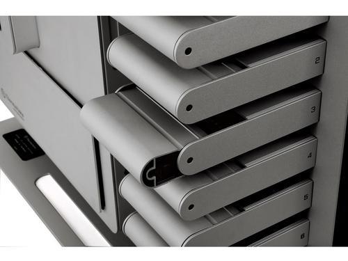 Thermaltake LEVEL10 Limited Titanium Edition by BMW Design Studio