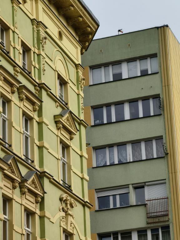 5-krotne powiększenie w ciągu dnia na budynkach