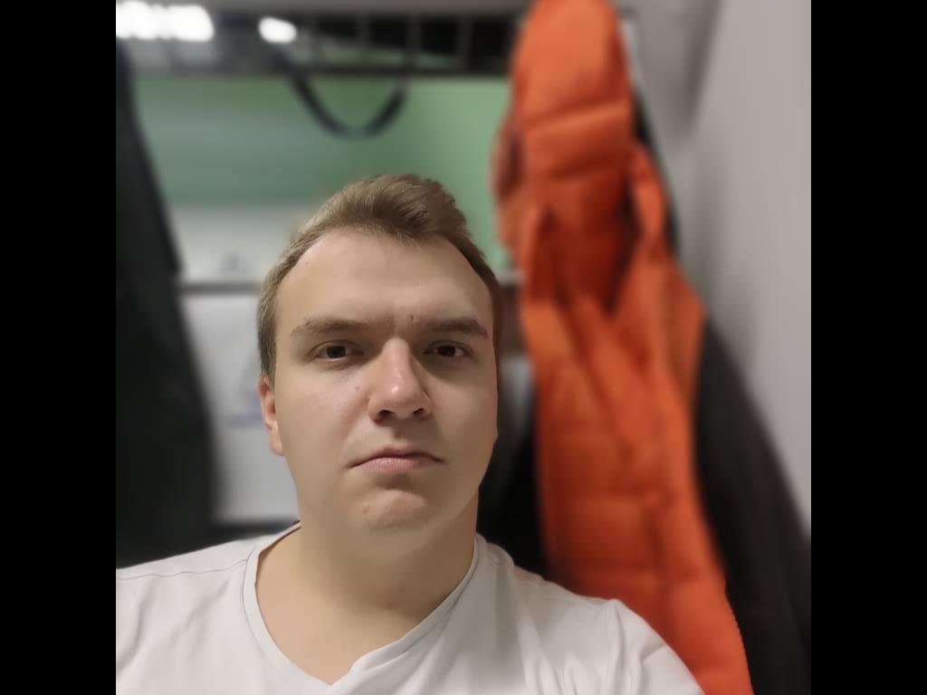 Asus ROG Phone II selfie z odcięciem