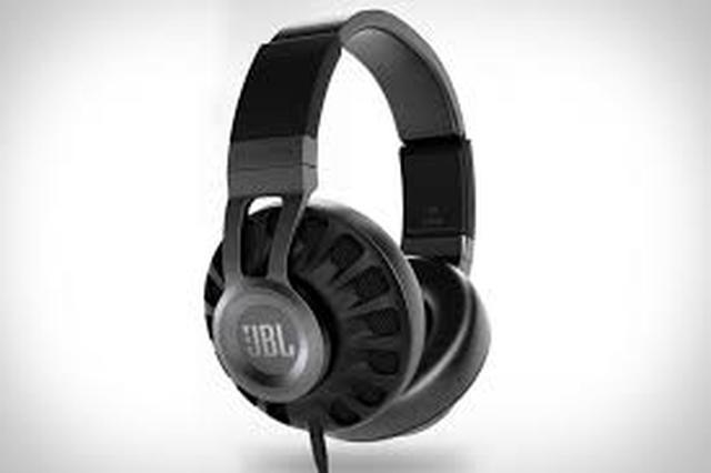 JBL Synchros S700 - wysokiej jakości słuchawki nauszne