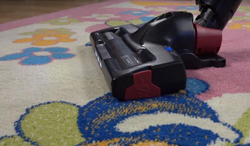 Hoover HF13RXL posłuży do czyszczenia dywanu
