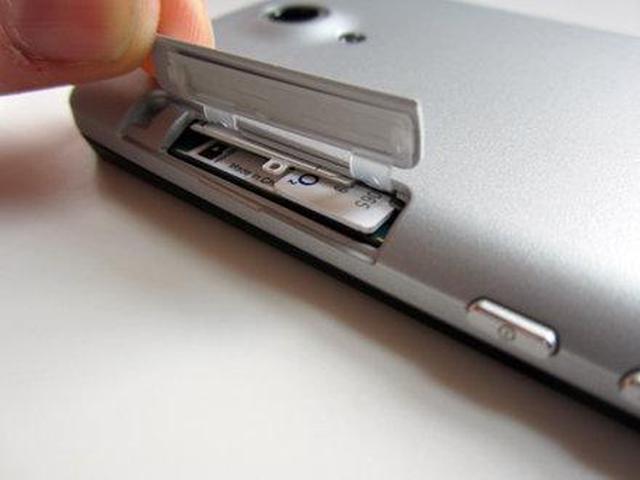 Recnzja telefonu komórkowego Sony Xperia T