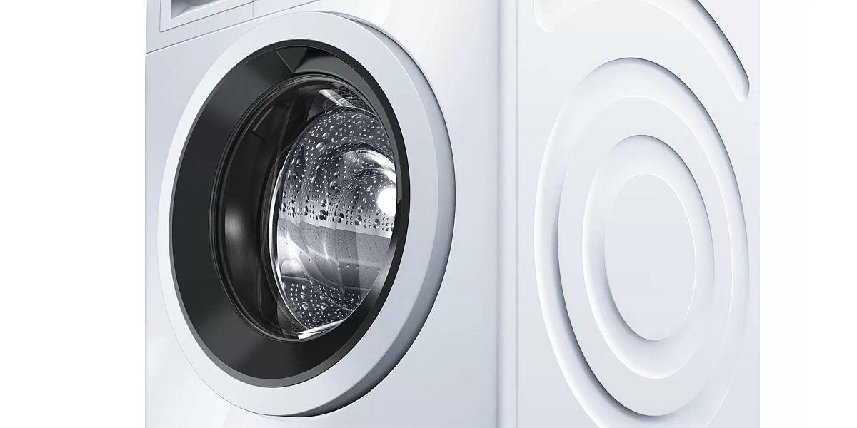 drzwi od białej pralki