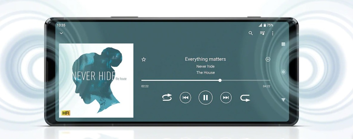 Głośniki w Sony Xperia 1 II to stereo. Jest też gniazdo słuchawkowe