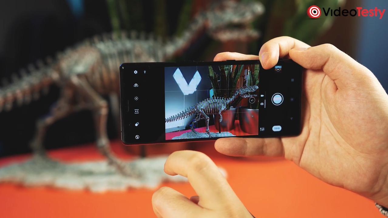 Aplikacja aparatu jest inna niż u konkurencji. Niekoniecznie lepsza